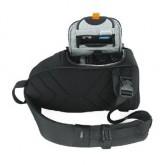 おすすめのカメラバッグ、カメラケースの種類 スリングバッグ(開き方)